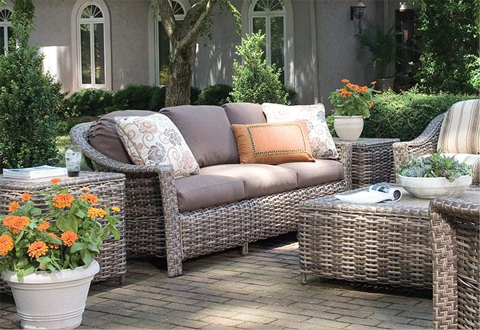 Lane venture outdoor furniture outlet for Outdoor furniture outlet