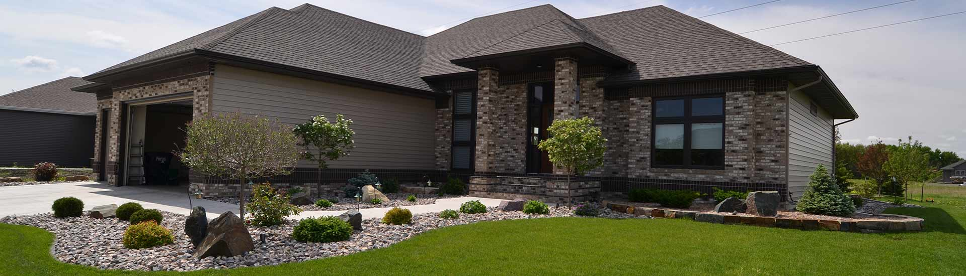 Retaining-Walls-Borders-Fargo-ND-Landscaping1-1