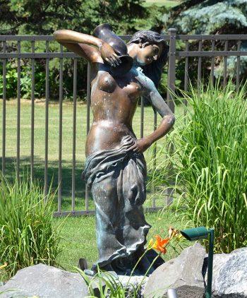 Statuary Garden Elegance Fargo ND 005