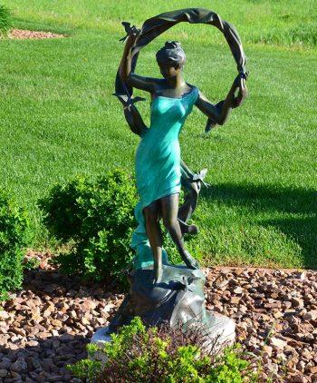 Statuary Garden Elegance Fargo ND 006